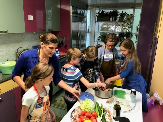 Elementary Students learn about Arabic Cooking & Culture